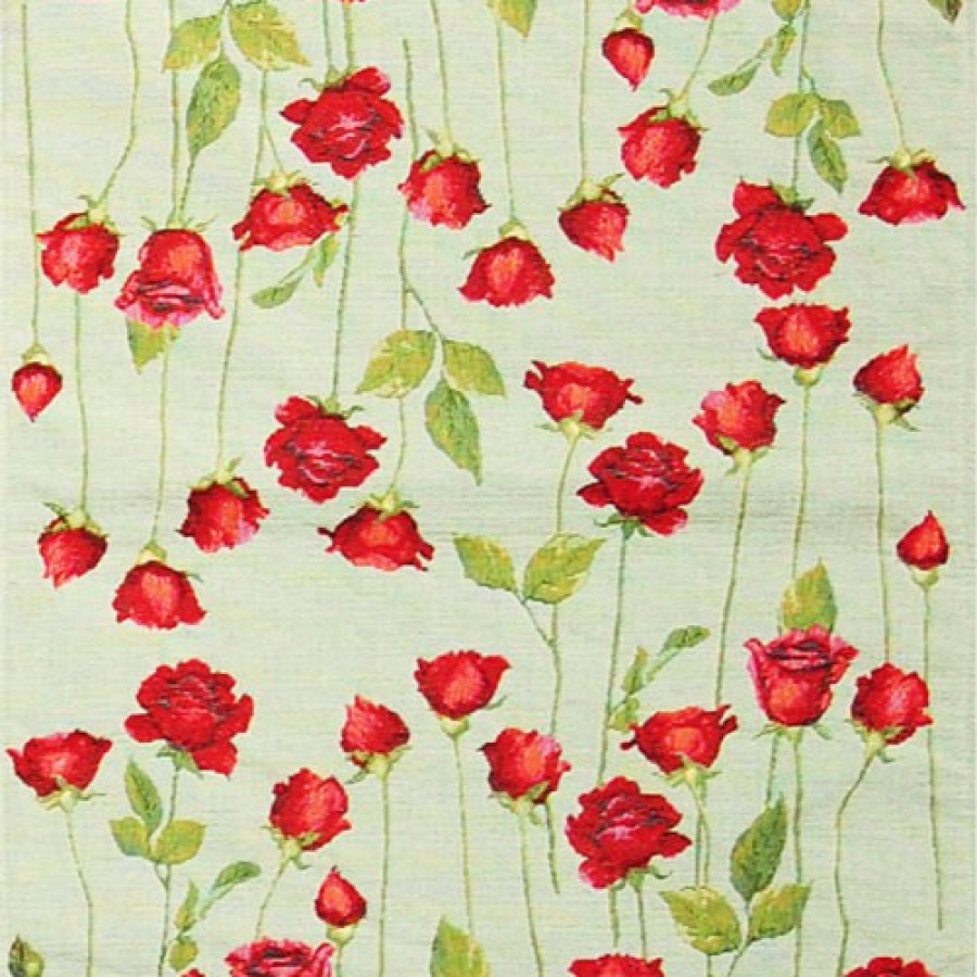 Table runner of red roses