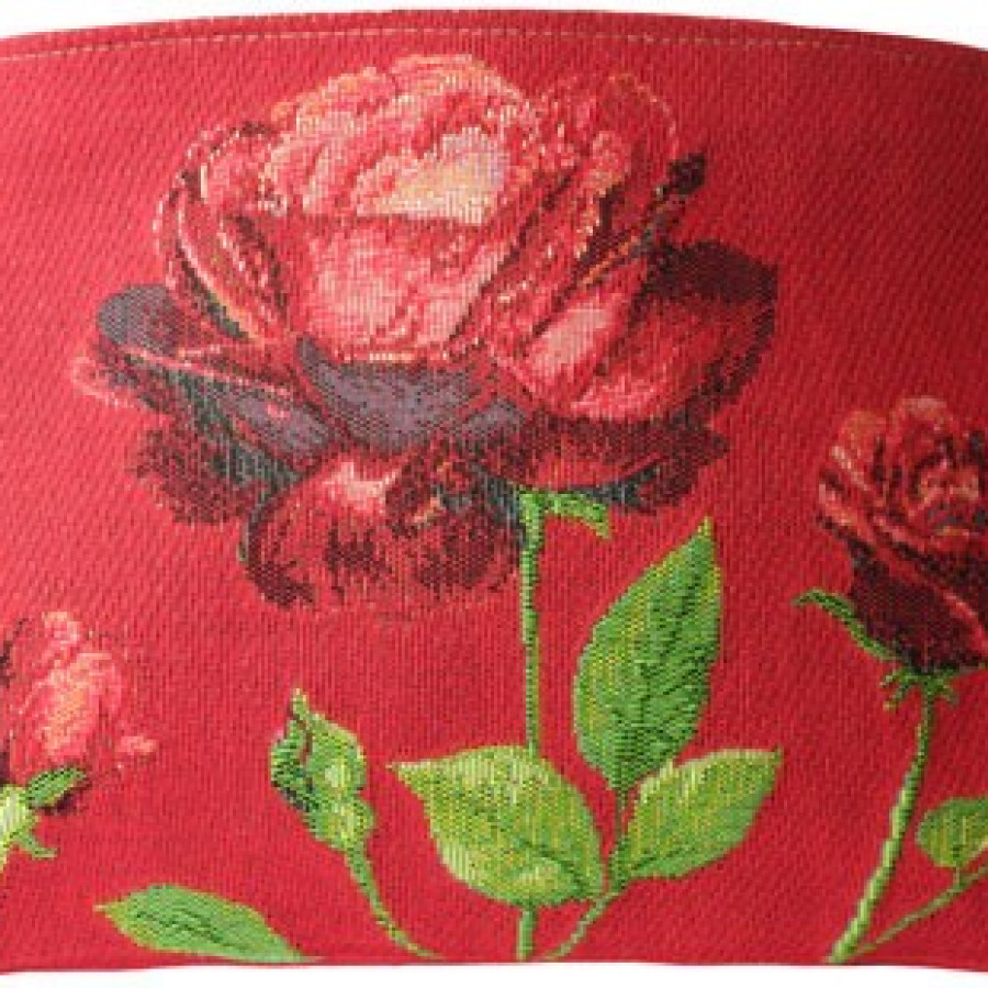 5424A : Red roses on red background