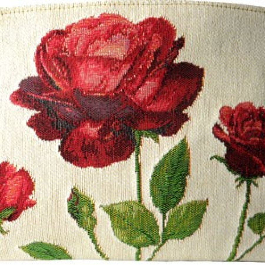 5424B : Red roses on white background