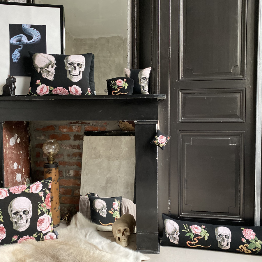 Scented tapestry mini cushion Skull and Roses