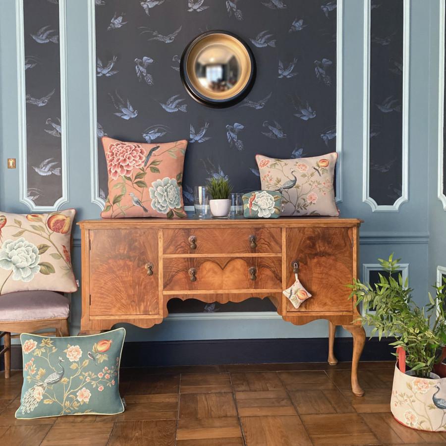 Mini coussin senteur en tapisserie Grenadier et oiseaux
