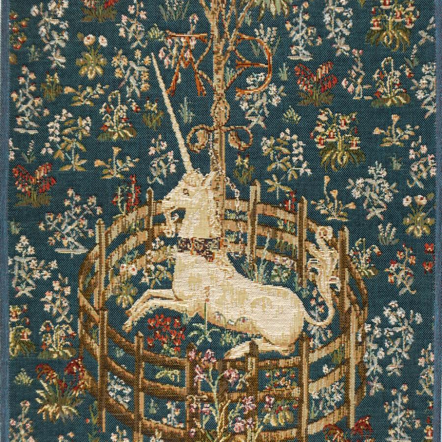 Table runner Unicorn Captive