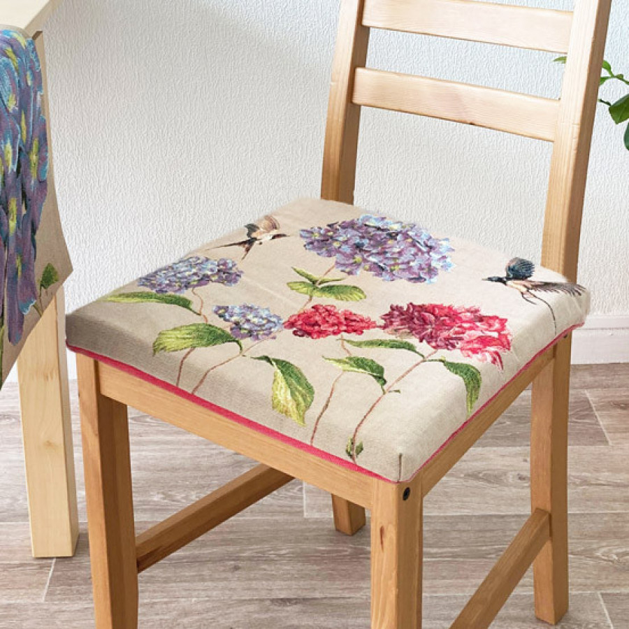 Tapestry chair pad Giverny multi flowers