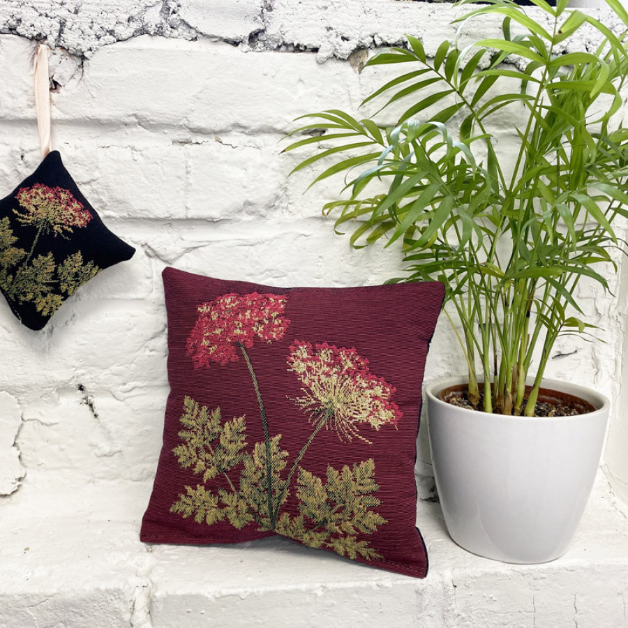 Scented tapestry mini cushion Umbels